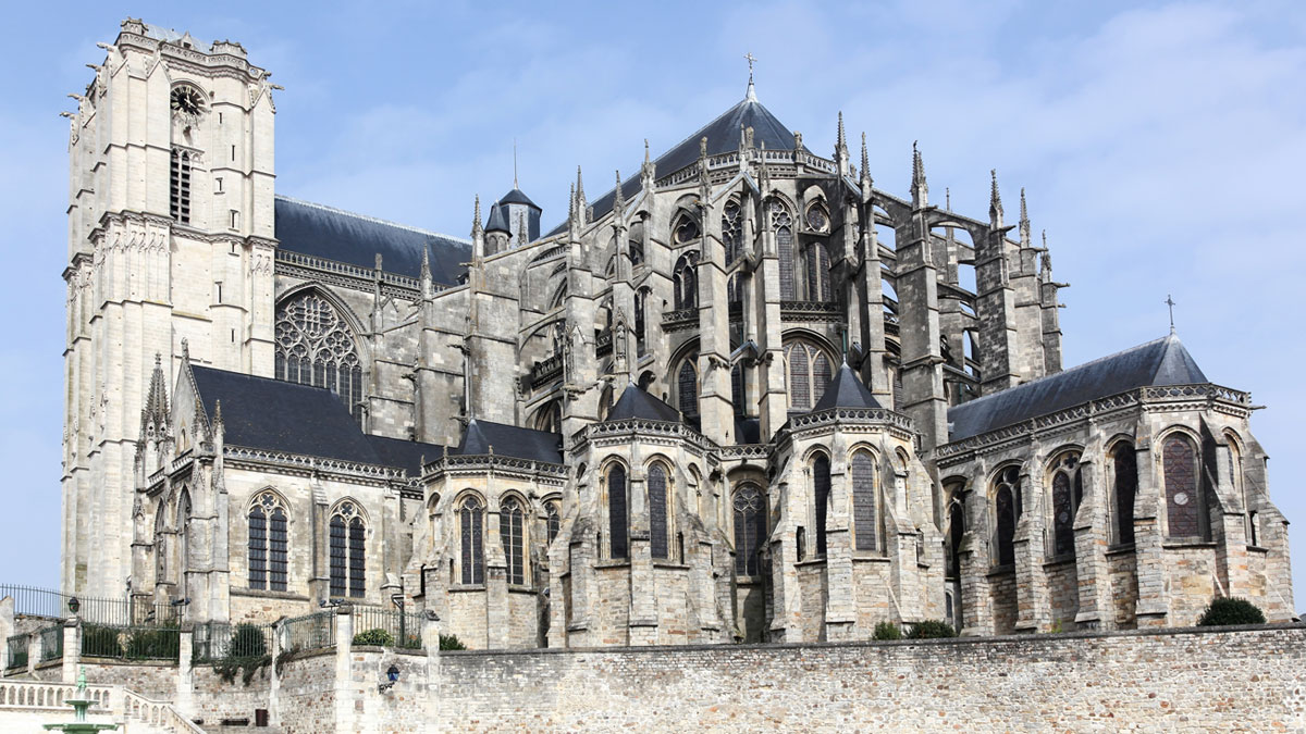 Roman catholic cathedral in Le Mans