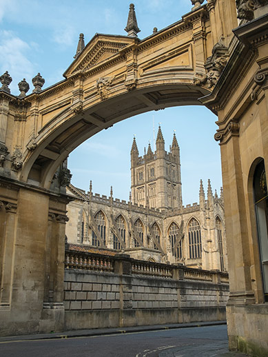 Beklim de abdijtoren van Bath