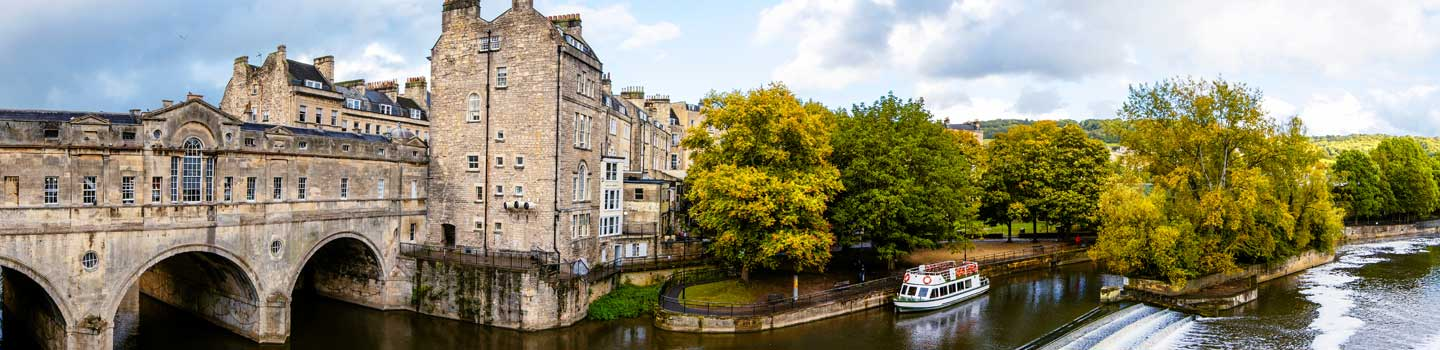 Pulteney Bridge in Bath in England