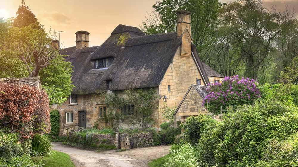 Chaumières dans le Cotswold, Gloucestershire en Angleterre