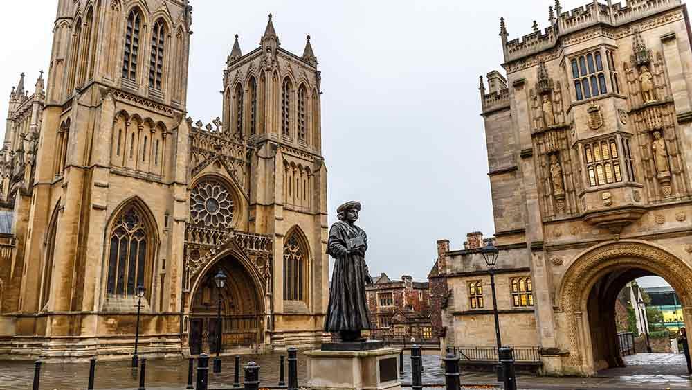 Leer over de Engelse geschiedenis bij een bezoek aan de kathedraal van Bristol