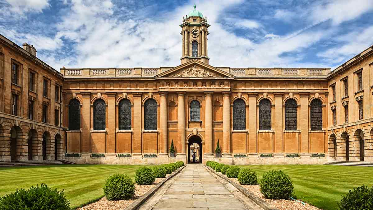 Oxford University The Queens College