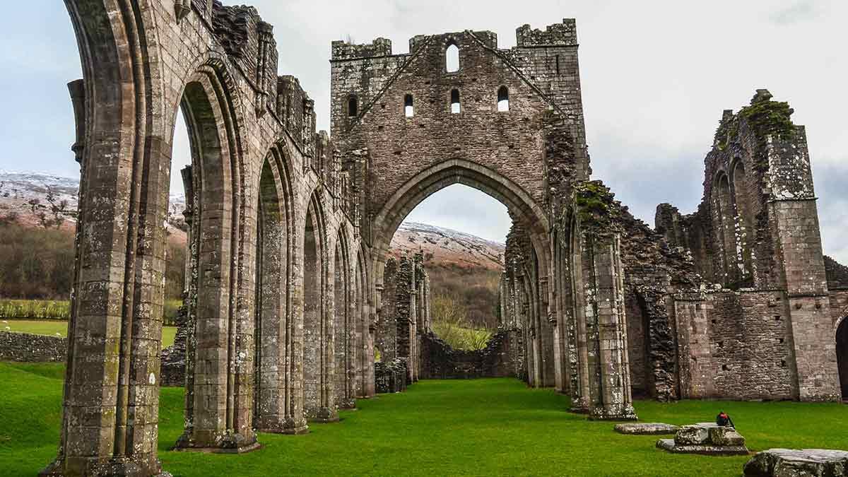 Ruines de château au Pays de Galles
