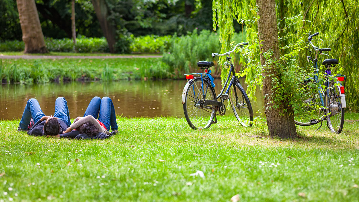 Couple relaxing in a dutch park