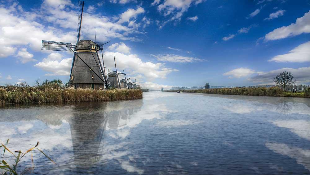 Windmills Kinderdijk in Dordrecht, Netherlands