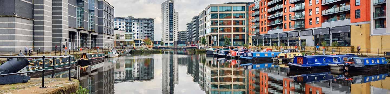 Le Clarence accoste à Leeds avec la Mini-croisière P&O Ferries.