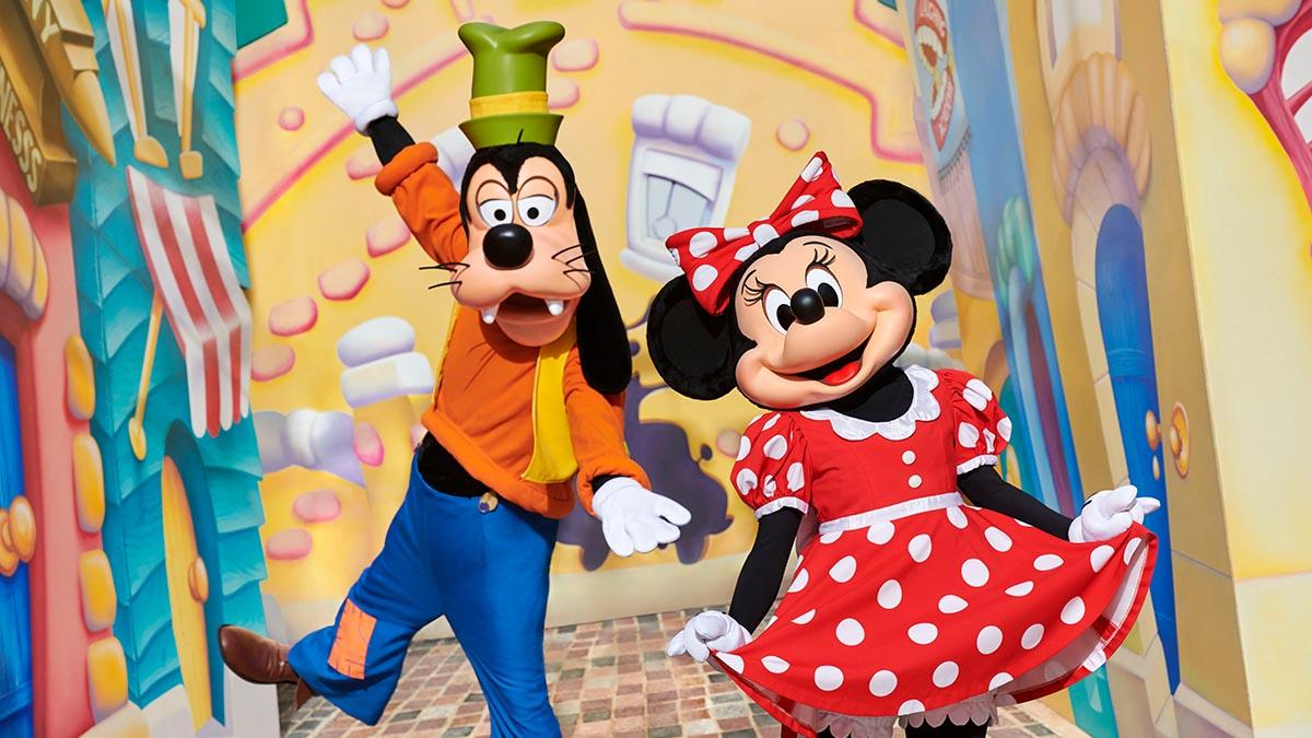 Disney characters at Disneyland Paris