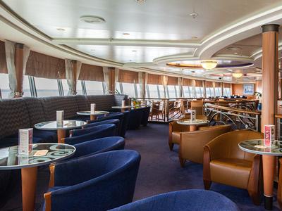 club-lounge